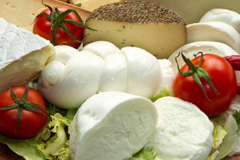 mozzarella-di-bufala-6lgjj5h6w4zwmcoos0nuq7hv8zrr75qdargmne50kok
